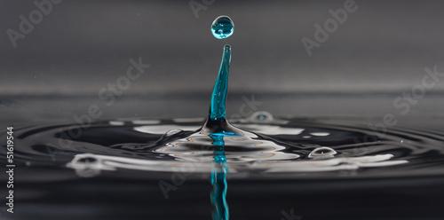Goccia d'acqua blu