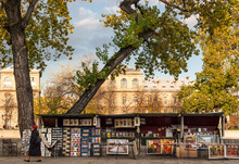 The Bouquinistes (booksellers) Of Paris