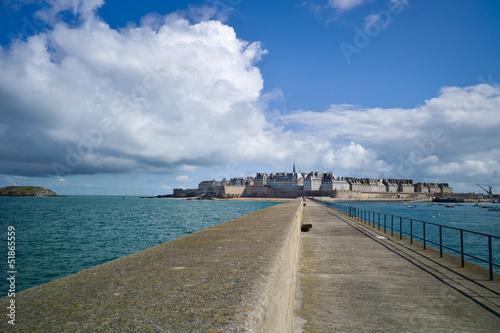 Fotobehang Pier saint-Malo