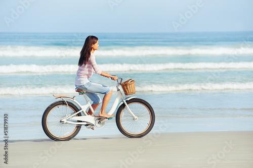 Fototapeta beach bicycle woman obraz na płótnie
