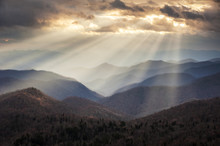 Appalachian Mountains Light Ra...