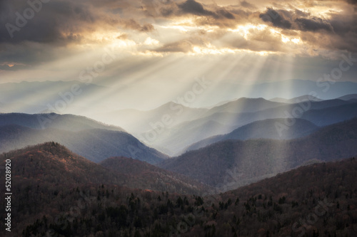 Poster Bergen Appalachian Mountains Light Rays on Blue Ridge Parkway Ridges