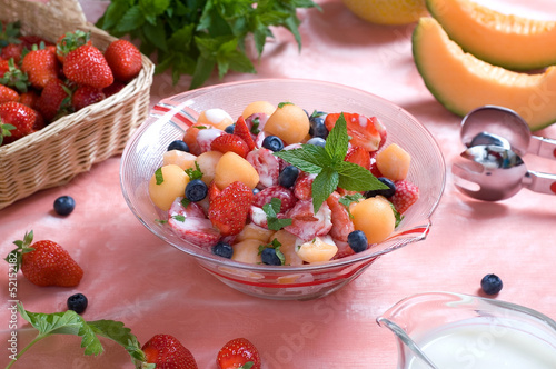 Fototapeta Refreshing fruit salad obraz