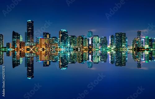 Photo  Miami Skyline at night