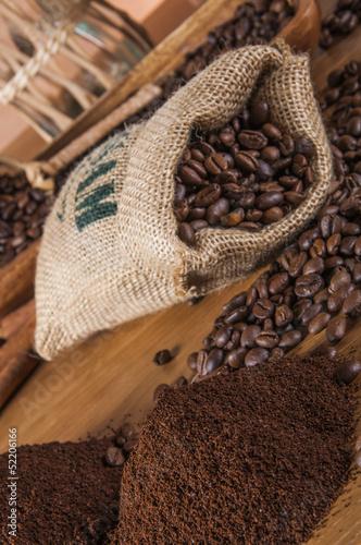 Deurstickers koffiebar Decorative coffee beans concept