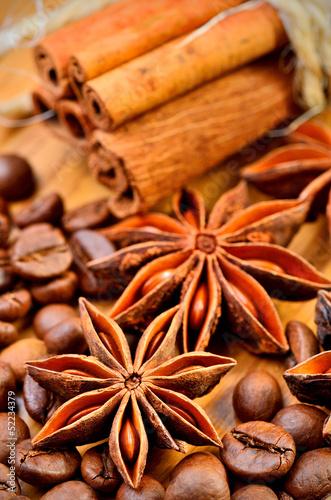 anyz-cynamon-i-ziarna-kawy