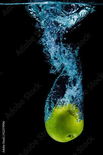 Poster Eclaboussures d eau Green apple and water splashing