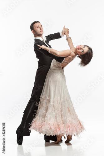 Foto beautiful couple in the active ballroom dance