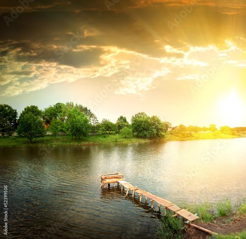 jezioro-wieczorem