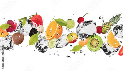 Cadres-photo bureau Fruits Ice fruit on white background