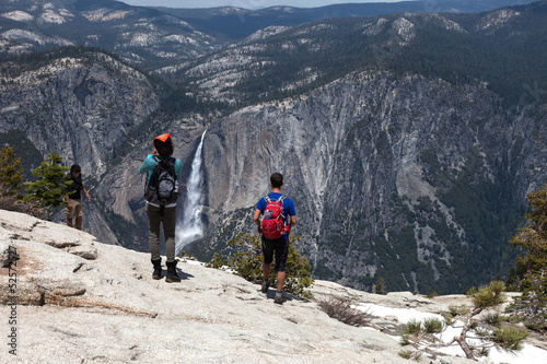 Foto op Canvas Alpinisme Views from Sentinel Dome Yosemtite Falls