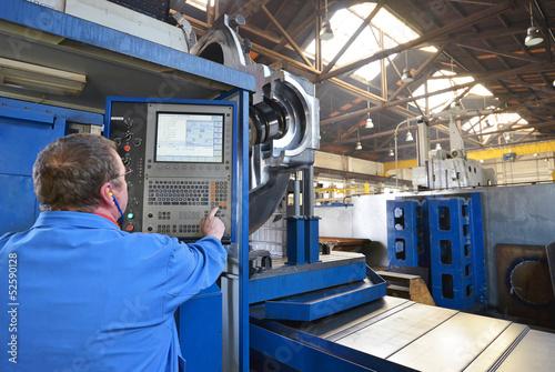 Staande foto Industrial geb. CNC Maschinenbau // industry production