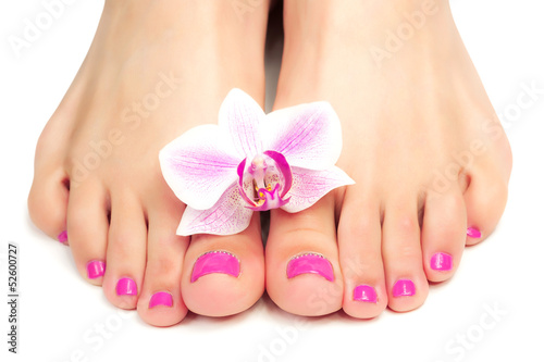 Spoed Foto op Canvas Pedicure pink pedicure with a orchid flower
