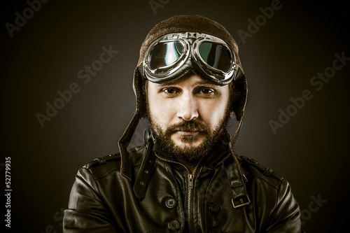 Foto Proud, Fighter pilot with hat and glasses era, vintage style