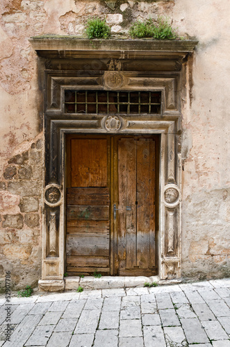 Fotografering  Sibenik. Wooden Door