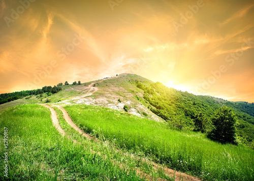 Foto op Aluminium Lime groen Road in mountains