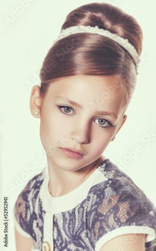 portret-dziewczynki-dziecko-moda
