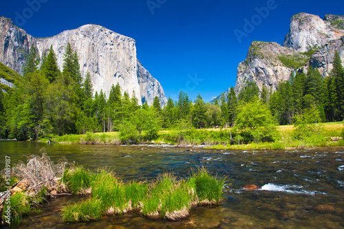 Photo  Yosemite Valley in Yosemite National Park,California