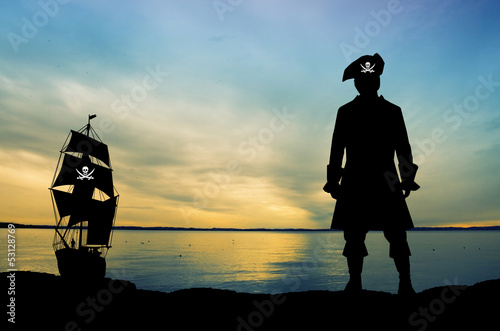 Fotografía  Pirate at sunset