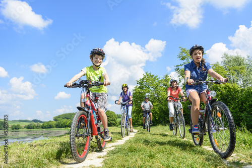 Aluminium Prints Cycling Radausflug mit Großeltern