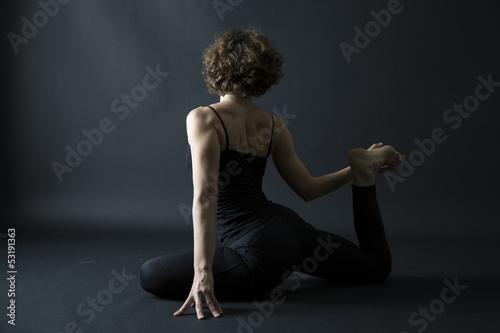 yoga posture preparation to ekapada raja kapotasana pigeon pose
