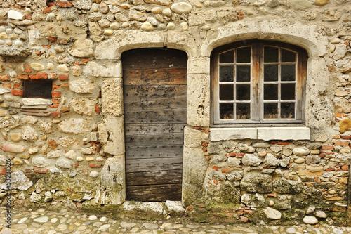 Fototapeta drzwi   drzwi-w-starym-murze
