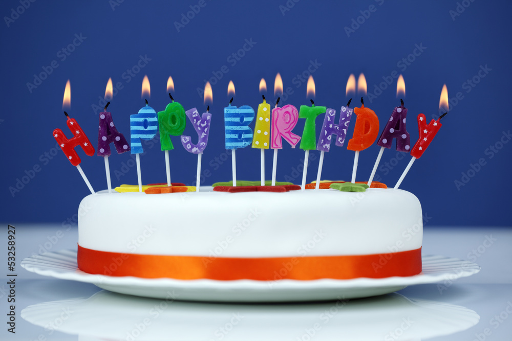 Happy Birthday Candles On A Cake Foto Poster Wandbilder Bei EuroPosters