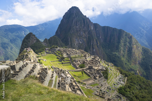 Spoed Foto op Canvas Zuid-Amerika land Ancient ruins of lost Inca city of Machu Picchu