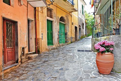 urocze-srodziemnomorskie-ulice-cinque-terre-wlochy