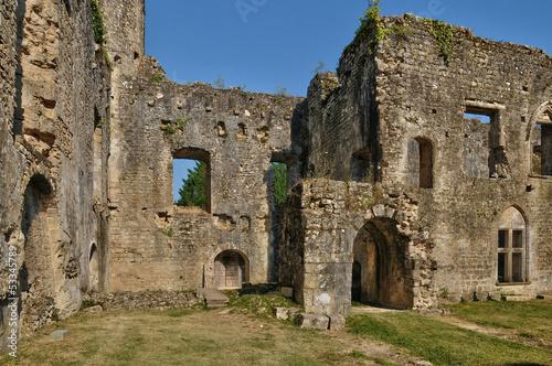Deurstickers Rudnes medieval castle of Villandraut in Gironde