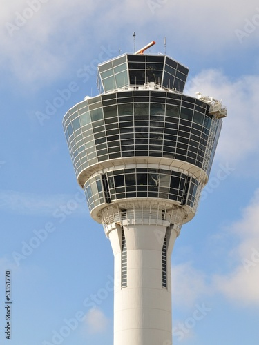 Foto op Aluminium Luchthaven Control tower at Munich Airport, Germany
