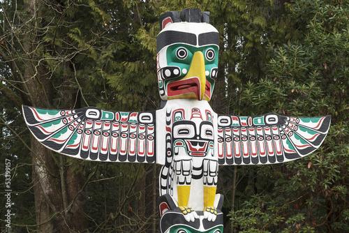 Fotografie, Obraz  Detail Native American Thunderbird Totemu
