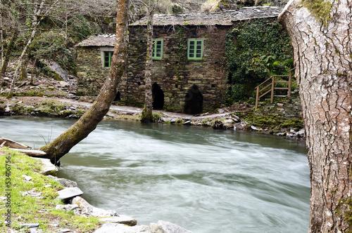 Molino de Baleira en A Cortevella (A Fonsagrada, Lugo)