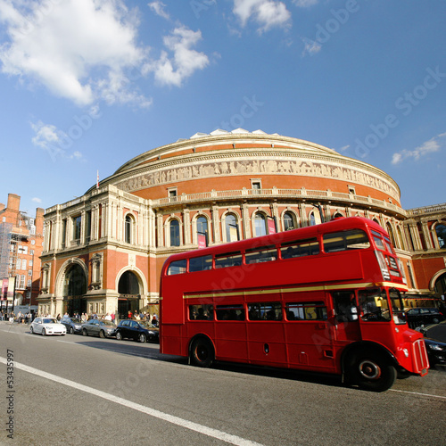 Photo  London Routemaster Bus passing by Royal Albert Hall