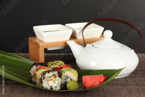 Tasty Maki sushi - Roll - 53463585