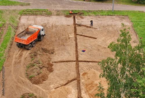 In de dag Stadion Строительство школьного стадиона