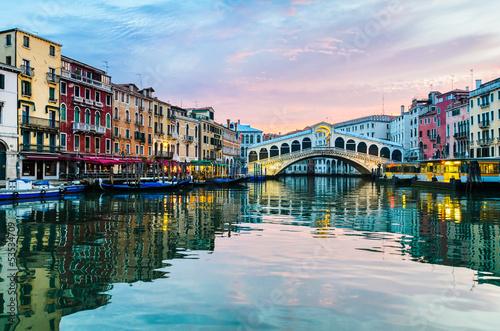 Aluminium Prints Venice Sunrise at the Rialto Bridge, Venice