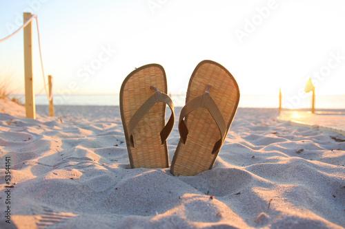 Flip Flops im Sonnenaufgang