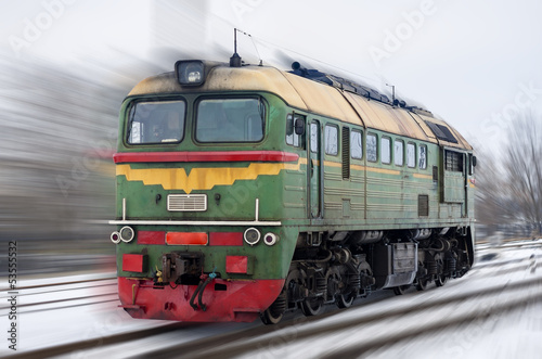 rosyjska-lokomotywa-spalinowa-m62-na-zamazanym-tle