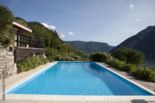 Fotografija  giardino con piscina