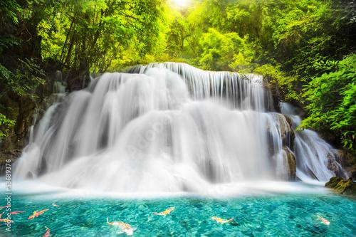 Photo sur Aluminium Cascades Huai Mae Kamin Waterfall