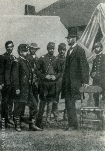 Leinwand Poster Lincoln with McClellan after the Battle of Antietam (1862)