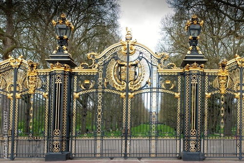 Canvas Print buckingham palace door