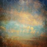 Rocznika tło z chmurami na niebie - 53912550