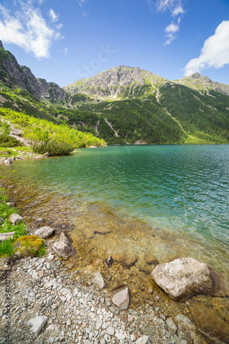 Spoed Fotobehang Bergen Beautiful scenery of Tatra mountains and lake in Poland
