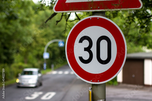 Cuadros en Lienzo  german 30 speed sign