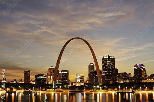 Photo  St. Louis Skyline at twilight, Missouri