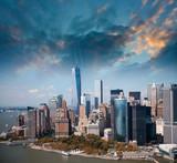 Widok z lotu ptaka na drapacze chmur Manhattanu