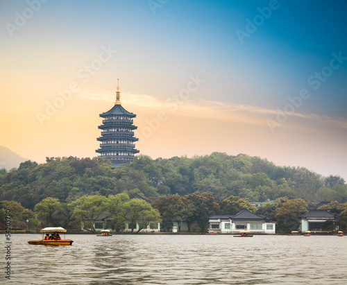 hangzhou scenery at dusk