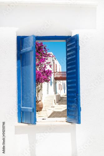 Tradycyjny grecki okno na Sifnos wyspie, Grecja